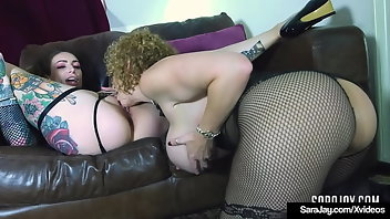 Vibrator Blonde MILF Tattoo